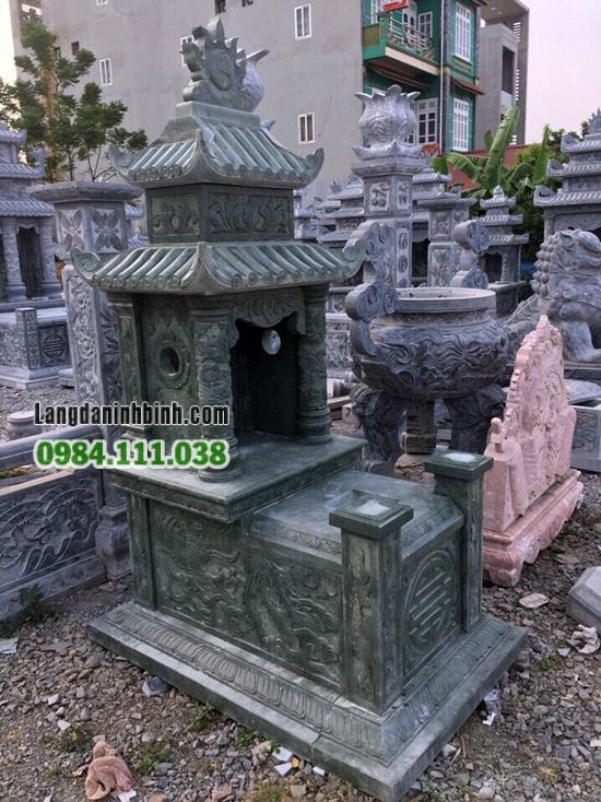 Lăng mộ đá xanh rêu
